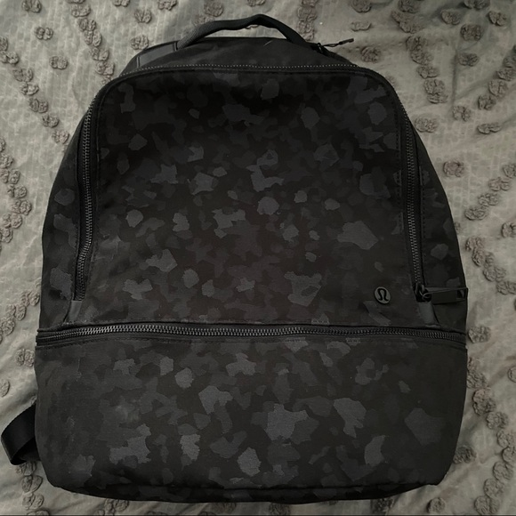 Lululemon Backpack 17L Black
